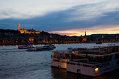 Colorful Sunset in Budapest with a Panoramic view of the river D — Stock Photo