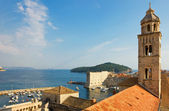Dubrovnik, The Dominican Monastery Bell Tower and Harbor — Stock Photo