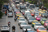 Busy traffic on the main street in Bangkok. — Stock Photo