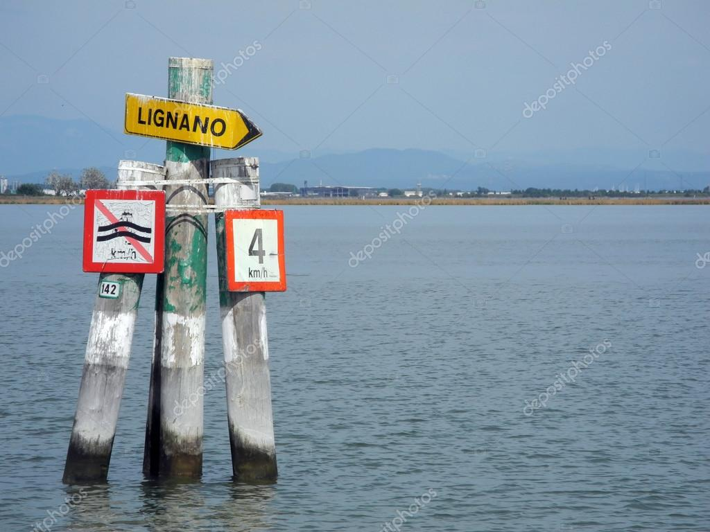 The Marano Lagoon, contained between the last coastal point of Lignano Sabbiadoro and the Grado Lagoon. — Lizenzfreies Foto #13366905