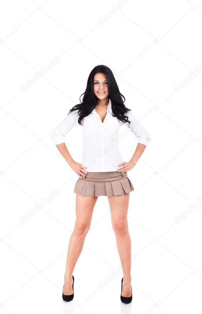 Morena de piernas largas y tetas minsculas es bien follada