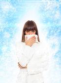 Zieke vrouw niezen kreeg griep — Stockfoto
