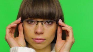 Woman wear glasses — Stock Video