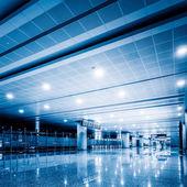 Gångväg flygplats — Stockfoto