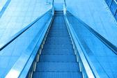 Escalera en un aeropuerto — Foto de Stock