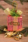 Kleurrijke geschenkdozen met lint en boog. — Stockfoto