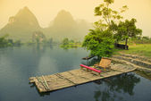 Bamboo rafting on river, Yangshou, China — Stock Photo