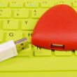 Red hearts and sticky note on Laptop keyboard — Stok fotoğraf