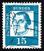 Martin allemagne 1963 timbre-poste luther, prêtre allemand — Photo