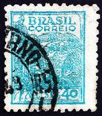 Postage stamp Brazil 1947 Wheat Harvesting Machinery — Foto Stock