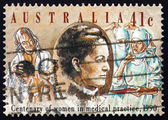Frimärke Australien 1990 Dr constance sten — Stockfoto