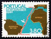 Почтовая марка карта Португалии 1972 года рейс из Лиссабона в Рио — Стоковое фото
