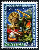 Briefmarke portugal 1972 wissenschaftlicher apparat — Stockfoto