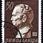 Postage stamp Yugoslavia 1962 Marshal Tito by Augustincic — Stock Photo