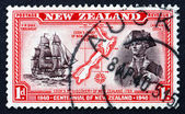 Postage stamp New Zealand 1940 Captain Cook, Map of New Zealand — Stock Photo