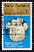 Postage stamp New Zealand 1980 Madona and Child with Cherubim — Foto Stock