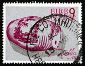Postage stamp Ireland 1976 Irish Delft Spirit Barrel — Stock Photo