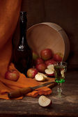 Vintage still life with alcohol and apples — Stockfoto