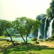 Waterfall in Vietnam — Stockfoto