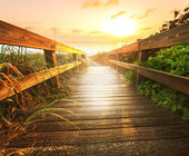 Boardwalk on beach — Foto de Stock
