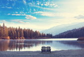Jezero v horách — Stock fotografie