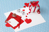 Valentine's day love message, unfinished, with gift box — Stock Photo