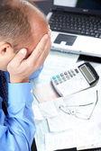 Stress. homme d'affaires au bureau — Photo
