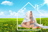 Beautiful baby and house — Stock Photo
