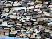 Fundo de lenha seca picada registra na pilha — Foto Stock
