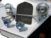 Retro vintage white dream wedding luxury car detail — Stock Photo
