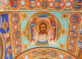 Interior techo adornado de antigua iglesia ortodoxa — Foto de Stock