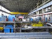 蒸気タービンの修理、機械、発電所のパイプの中に — ストック写真