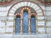 Starověké vysoké gotické mozaikové okno — Stock fotografie