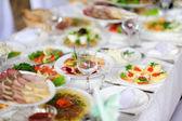 Fine restaurant dinner table place setting — Stock Photo