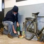 Bike thief — Stock Photo #11866024