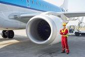 Jet engine mechanic — Stock Photo
