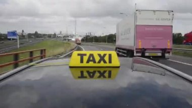 Taxi fare — Stock Video #12818951