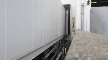 Leaving Truck — Stock Video