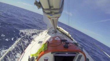Ocean racing upwind — Stock Video