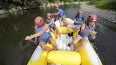 Rafting — Stockvideo