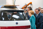 Angela Merkel during a technology showcase tour — Stock Photo