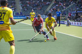 England Beats India at the World Cup Hockey 2014 — Stock Photo