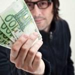 человек, оплате в евро — Стоковое фото