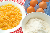 Flour, eggs and pasta — Stock Photo