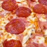 Пицца Пеперони крупным планом — Стоковое фото