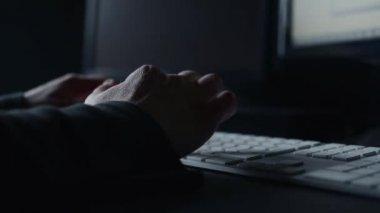 Female hands modern computer keyboard. — Stock Video