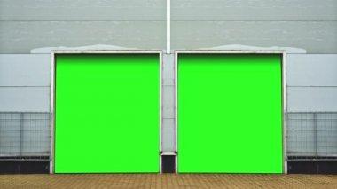 Industrie mit jalousie türen. lagerraumtüren mit green-screen-hintergrund kollegen sind schluss. 1920x1080, 1080p, hd, high-definition-video. — Stockvideo
