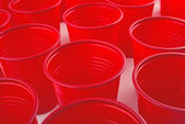 Plastic red cups — 图库照片