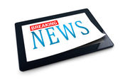 Tablet PC on white background with Breaking News title — Stock Photo