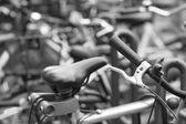 在一个停车场上自行车 — 图库照片